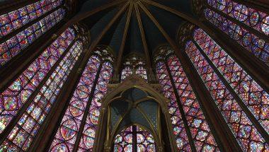 Saint-Louis à la lumière de la Sainte Chapelle